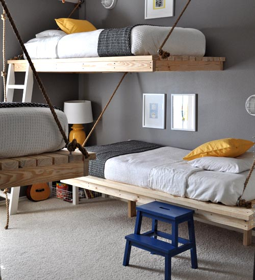 Delicieux Iu0027m Completely Charmed By This Bedroom! What Do You Think Of The Hanging  Beds? I Think Theyu0027re Ingenious And Want To Copy Them. I Like The Navy And  Yellow ...