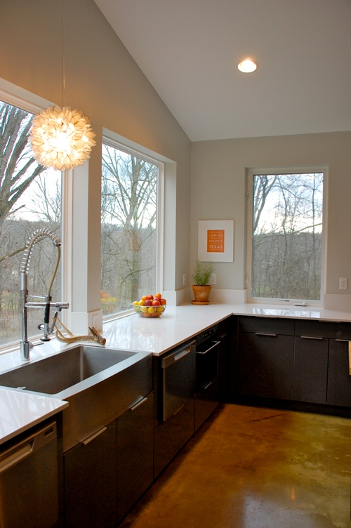 Living with kids rachel peters design mom for Kitchen designs with lots of windows