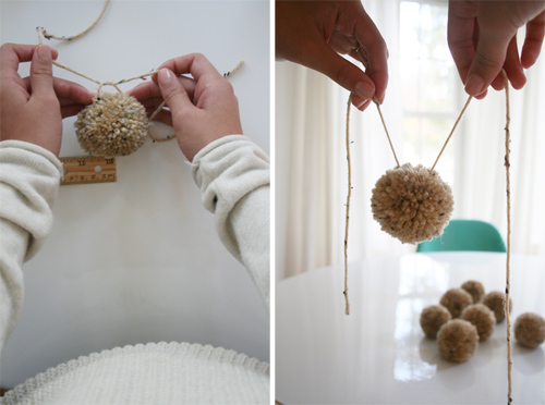 It s at this spot where you also tie on your first yarn ball. Simply tie  the yarn around the yarn ball in this spot 7d3d5afb444d