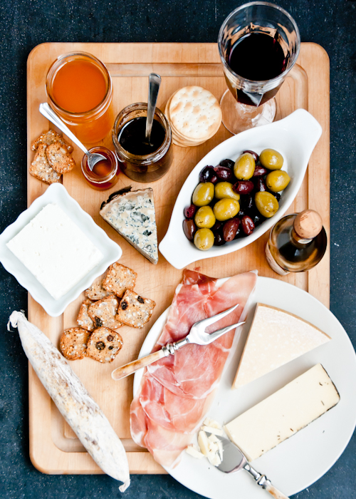 This cheese board is inspired by the Mediterannean with Italian Spanish and Greek cheeses and accompaniments. : italian cheese plate - pezcame.com