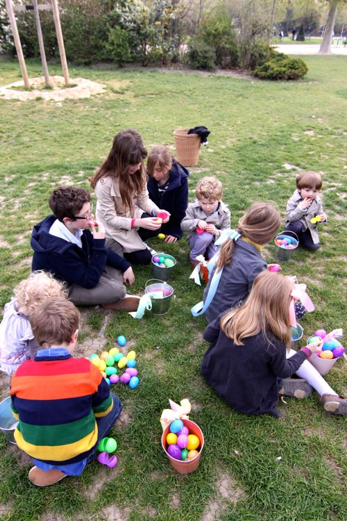 Easter Egg Hunt at Eiffel Tower02