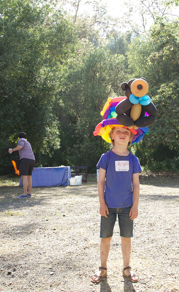 balloon hat