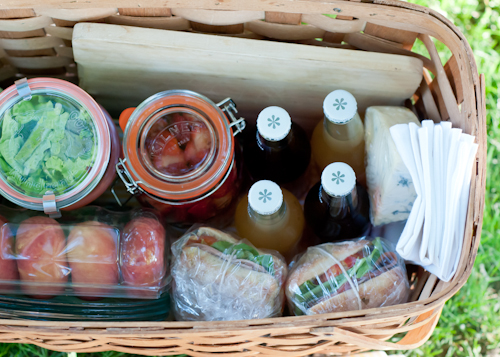 picn12 Secrets to the Perfect Picnic  |  Design Mom