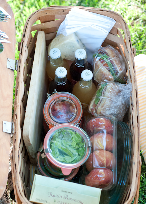 12 Secrets to the Perfect Picnic  |  Design Mom