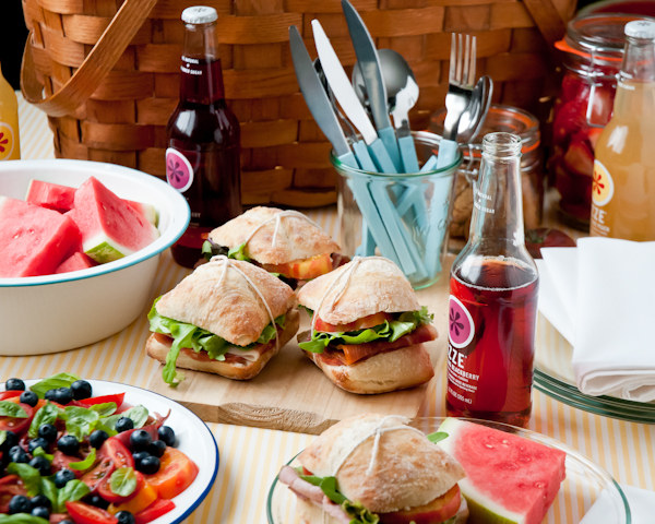 12 secrets to the perfect picnic living well design mom for Picnic food ideas for large groups