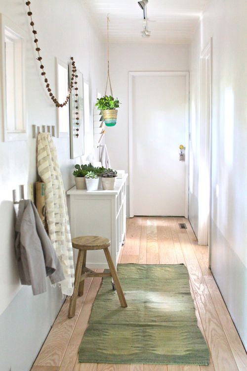 The treehouse hallway turned mudroom make it happen for - Decoracion de entradas de casas ...