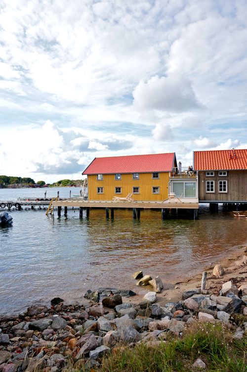 Evert's Boathouse in West Sweden. Offers hotels rooms, fishing adventures on the sea, and fresh seafood feasts.