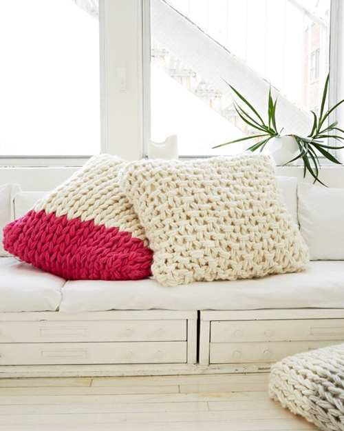 KnittingWithoutNeedles_chunky-pillows