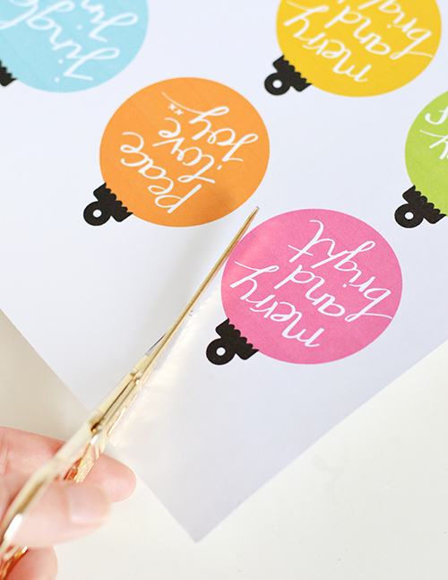 Printable Bauble Gift Tags | Design Mom