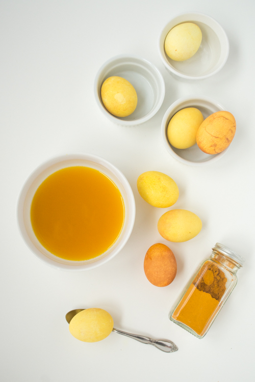 Easy Natural Dye Easter Eggs: Use Turmeric for Yellow