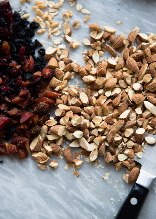 Let's make granola bars. I'll chop the nuts.