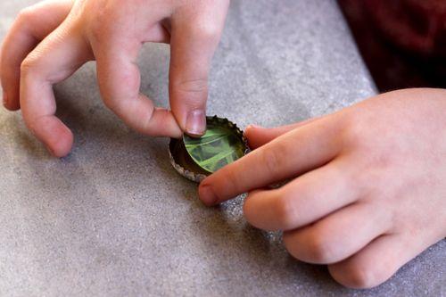 bottle cap magnets DIY