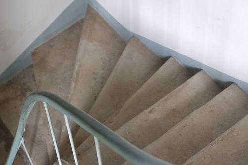 stone stairwell la cressonnière
