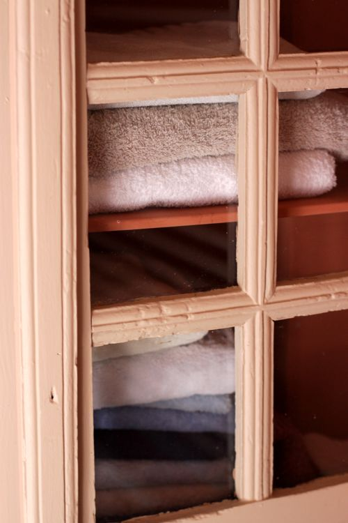 towel cupboard la cressonnière