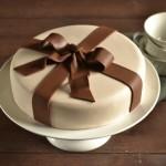 Fondant cake kits (for beginners, too!) help you make beautiful cakes at home!