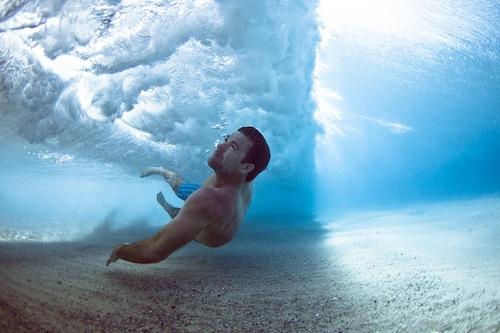 People Swimming Under Crashing Waves ⋆ Design Mom