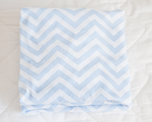 folding-fitted-sheet-76 Secrets to Folding a Fitted Sheet  |  Design Mom