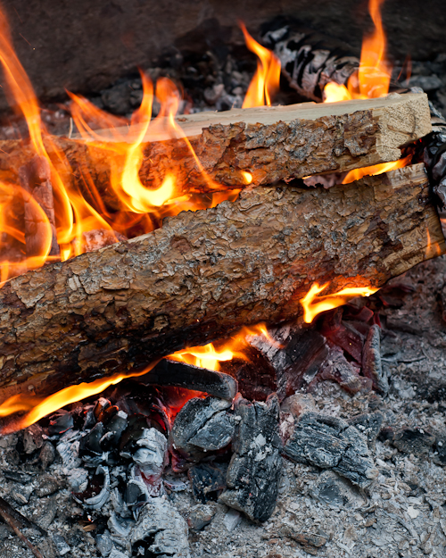 23 Secrets to Campfire Cooking | Design Mom - 23 Secrets To Cooking on a Campfire featured by popular lifestyle blogger, Design Mom