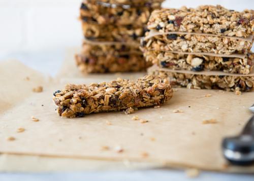 Recipe: Homemade Berry Almond Granola Bars