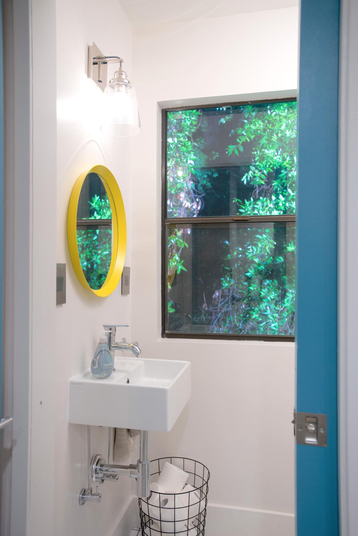 Magnificent 10 Master Bathroom No Window Design Inspiration Of Mobilier De Baie Cu Oglinzi